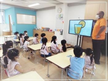専任外国人講師による英語教育