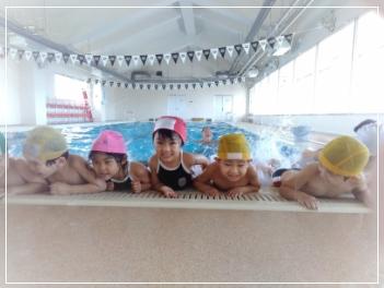 専門の水道指導員による水泳指導